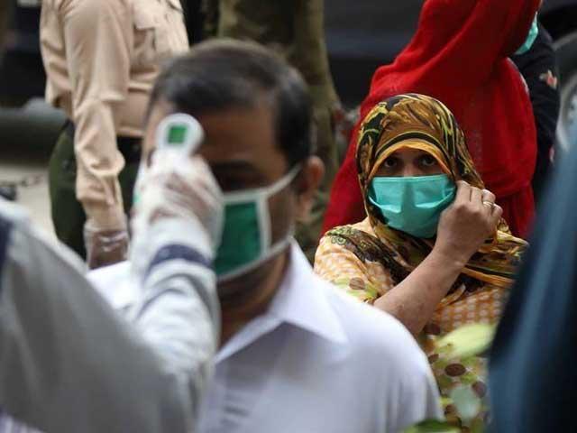 ملک بھر میں کورونا وائرس کے فعال کیسز کی تعداد 8 ہزار 825 واقع فوٹو فوٹوائل