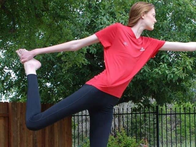 17 سالہ میسی کی ٹانگوں کی لمبائی ساسط چار فٹ اور لمبائی 6 فٹ دس انچ برابر ہیں۔  فوٹو: فاکس نیوز