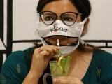 ماسک صاف کرنے پر پابندی کی وجہ سے لوگوں نے ریسٹورینٹس کو چھوڑ دیا ، فوٹو: بھارتی میڈیا