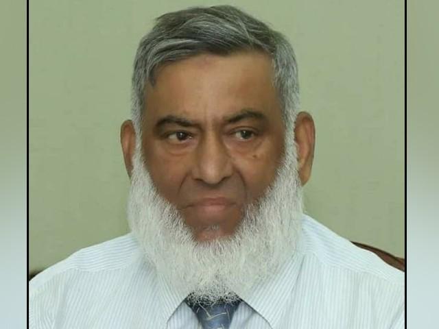 کورونا کی تصدیق کے بعد ڈاکٹر سید وقار احمد ضیاء الدین اسپتال میں زیر علاج فوٹو فوٹو: فائل