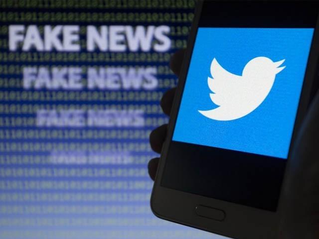 غلط اور بے بنیاد معلومات پر ٹویٹر اپنے اصولوں اور پالیسیوں کے مطابق ایسے اکاؤنٹس کے خلاف فوری کارروائی کرے، حکومت (فوٹو : فائل)
