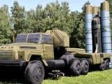 روسی افواج ہوا بھرے راکٹ، میزائل اور جنگی ٹینک کا باقاعدہ استعمال کررہی ہے۔ فوٹو: فائل