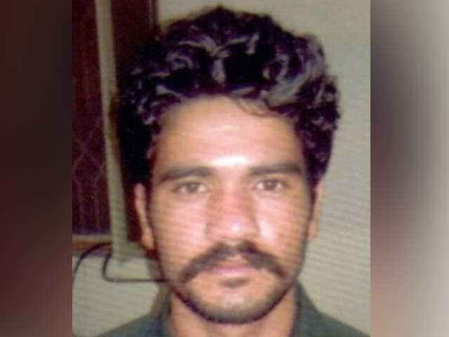 موٹر وے زیادتی کیس کا دوسرا ملزم شفقت جسمانی ریمانڈ پر پولیس کی تحویل میں ہے فوٹو: فائل