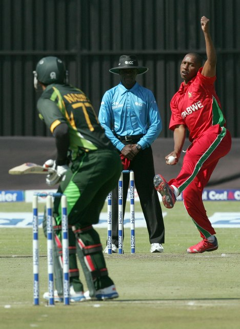 پاکستان اور زمبابوے کے درمیان 3 ایک روزہ اور تین ٹی ٹوئنٹی میچز کھیلے جائیں گے۔ فوٹو : فائل