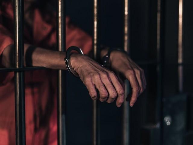 ملک بھر میں قیدیوں کی سزاؤں میں ایک ماہ کی کمی کردی گئی