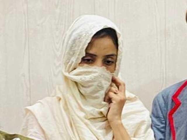 ملزمہ 12 سالہ طالب علم کو ورغلا کر اس سے شادی کرنا چاہتی تھی(ٖفوٹو، اسٹاف)