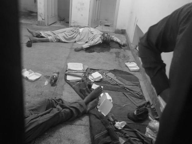 آئی جی پنجاب اور سی سی پی او لاہور کا واقعہ کا نوٹس، رپورٹ طلب کرلی۔ فوٹو : ایکسپریس