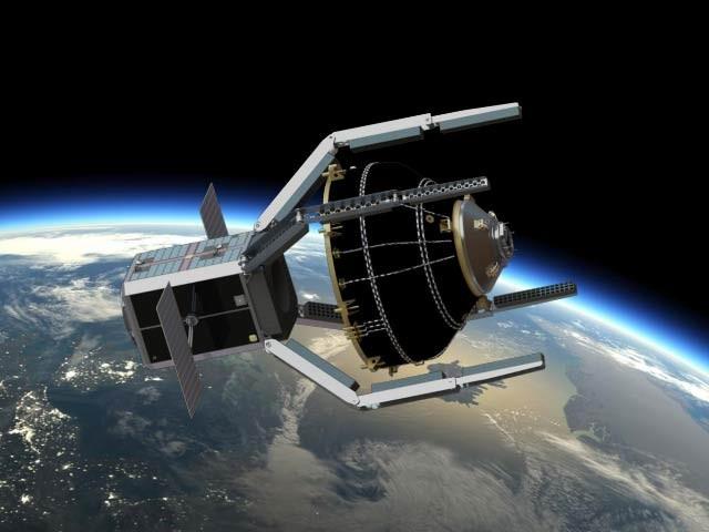 برطانیہ زمینی خلائی مدار میں کچرا جمعہ والا پنجہ نما سیٹلائٹ 2025 میں روہانہ ہو گا۔  فوٹو: ایلنور ڈائموسس