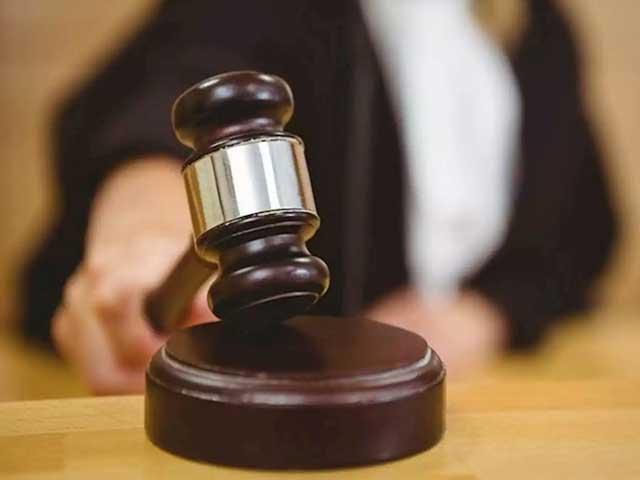 احتساب عدالت نے چار سال بعد کیس کا فیصلہ سنادیا، نیب کے مطابق سلطان قمر نے 4 کروڑ روپے کی کرپشن کی (فوٹو:فائل)