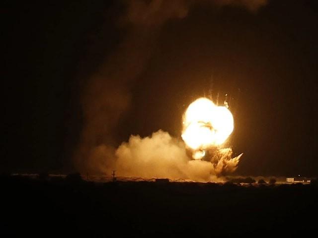 فضائی کارروائی حماس کے راکٹ حملے کے جواب میں کی، اسرائیلی فوج کا دعویٰ ( فوٹو: اے ایف پی)