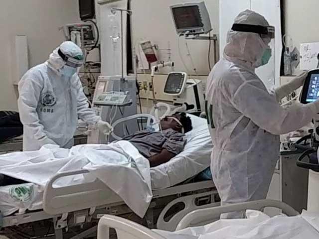 ایکسپوسینٹرمیں قائم فیلڈ آئسولیشن سینٹرمیں 150 بیڈڈ ایچ ڈی یو میں سے 70 پر مریض زیرعلاج ہیں۔