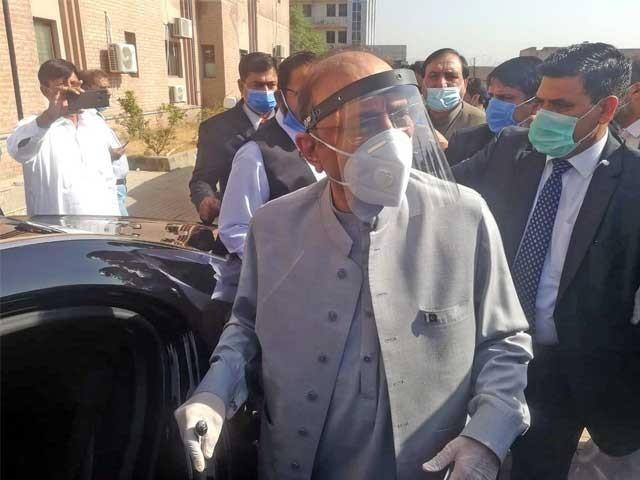 11 اکتوبر کو سابق صدر آصف علی زرداری کراچی کے اسپتال سے ڈسچارج ہوئے،طبیعت بگڑنے پر 22 نومبر کو دوبارہ اسپتال داخل کروایا گیا، درخواست(فوٹو، فائل)