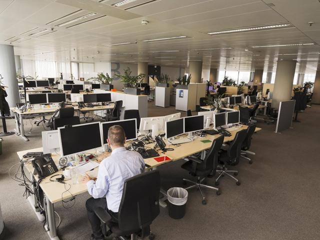 تمام سرکاری اور پرائیویٹ دفاتر میں 50 فیصد حاضری کا حکم 21 جنوری تک نافذ العمل رہے گا