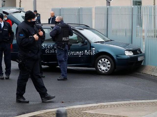 پولیس نے 54 سالہ ملزم کو گرفتار کرلیا ہے، فوٹو : رائٹرز
