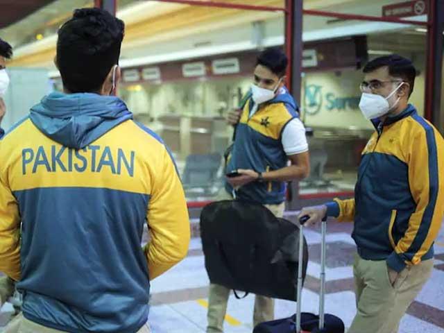 مزید مثبت نتائج کا سوچ کر پاکستانی کھلاڑی ذہنی دباؤ کا شکارہوگئے۔ فوٹو: فائل