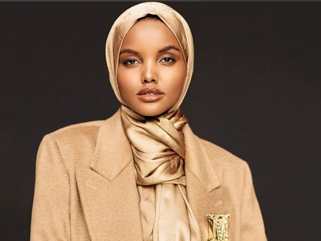 حلیمہ عدن نے امریکا میں باحجاب ماڈلنگ کی بنیاد رکھی تھی، فوٹو : فائل