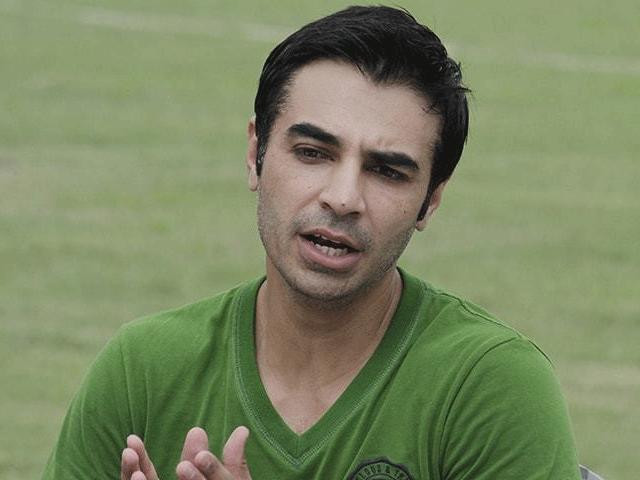 جنوبی افریقہ اور انگلینڈ کی ٹیموں کی پاکستان آمد سے ملک میں انٹرنیشنل کرکٹ کی بحالی میں مدد کے حصے ، سلمان بٹ۔  فوٹو: فائل