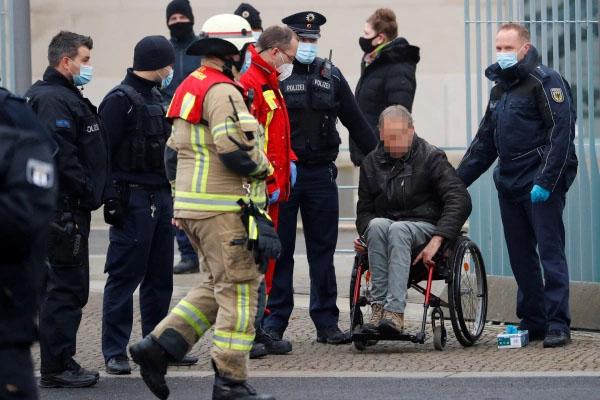 police arrest driver germany