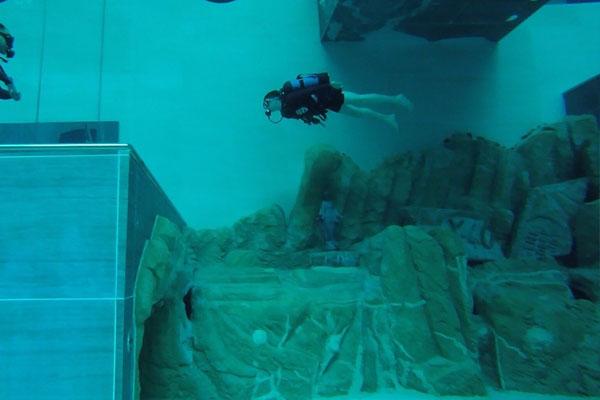 world deepest Swimming pool 3