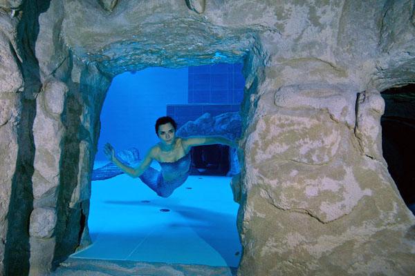 world deepest Swimming pool 4