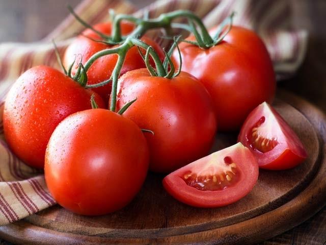 جینیاتی طور پر تبدیل شدہ ٹماٹر سے الزائیمر اور پارکنسن کی دوا بنان بہت آسان ہے۔ فوٹو: فائل