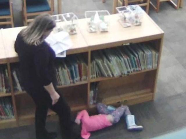 ٹیچر نے بچی کو جھوٹا معاہدہ کیا تھا لیکن سی ٹی وی فوٹیجز میں پکڑی گواہ کی فوٹو: ویڈیو گریب
