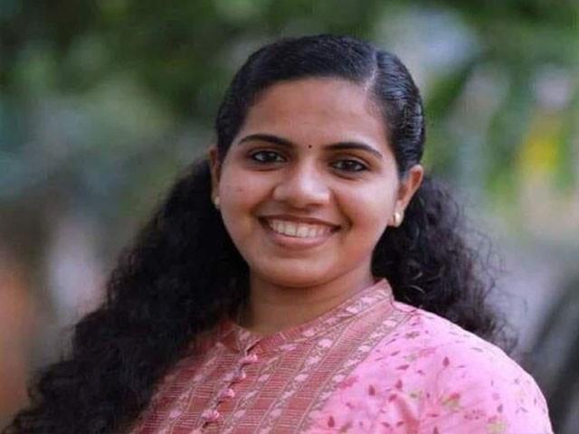 ریاضی کی طلبہ میں کمی پارٹی کے بچوں کے شعبے بالسانگم کے صدر بھی ہیں ، فوٹو: بھارتی میڈیا