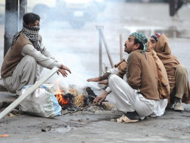 کراچی سمیت سندھ میں موسم سرما مارچ کے پہلے ہفتے تک رہ سکتا ہے، محکمہ موسمیات۔ فوٹو:فائل