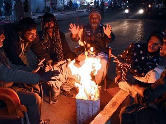 غیرسرکاری ادارے پاک ویدر کے مطابق سرجانی میں 2، سعدی ٹاؤن 3، بحریہ ٹاؤن اور نارتھ کراچی 3.5 اور ملیر میں 4 ڈگری ریکارڈ (فوٹو : فائل)