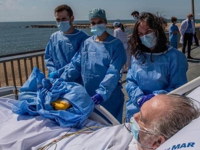 کووڈ 19 سے متاثر ہوکر شفا پانے والے 72 فیصد مریضوں میں اب بھی کوئی نہ کوئی علامت برقرار ہے۔ فوٹو: فائل