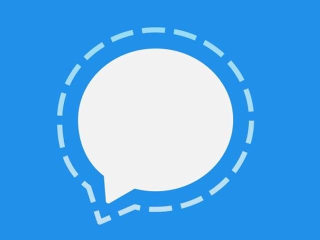 واٹس ایپ کی معلومات فیس بک پر شیئر کرنے کےاعلان کے بعد صارفین سگنل ایپ انسٹال کررہے ہیں۔ فوٹو: فائل