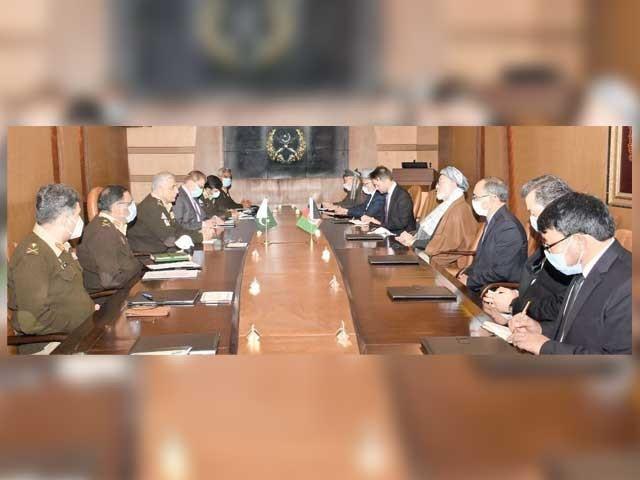 بین الافغان مذاکراتی عمل کو آگے بڑھانا ناگزیر ہے،تشدد میں کمی اور سیز فائر کی ضروری،عمران خان۔ فوٹو: اے پی پی