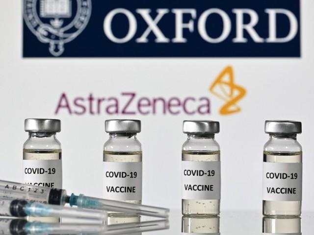 پاکستان میں حکام کے مطابق برطانوی ویکسین اسٹرازنیکا کے ایمرجنسی استعمال کی منظوری دی گئی ہے، ڈاکٹرفیصل سلطان۔ فوٹو: اے ایف پی