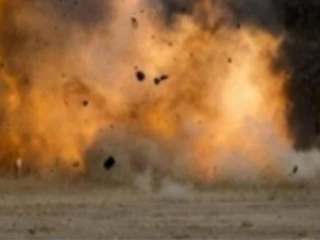 بم پیڑول پمپ کے ساتھ رکھے کچرہ دان میں نصب  تھا، پولیس ۔ فوٹو: فائل