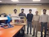 کراچی میں واقع عثمان انسٹی ٹیوٹ کے طلبا نے ندی نالوں اور بہتے پانی سے بجلی بنانے والے کم خرچ ٹربائن تیار کیا ہے (فوٹو: ایکسپریس)