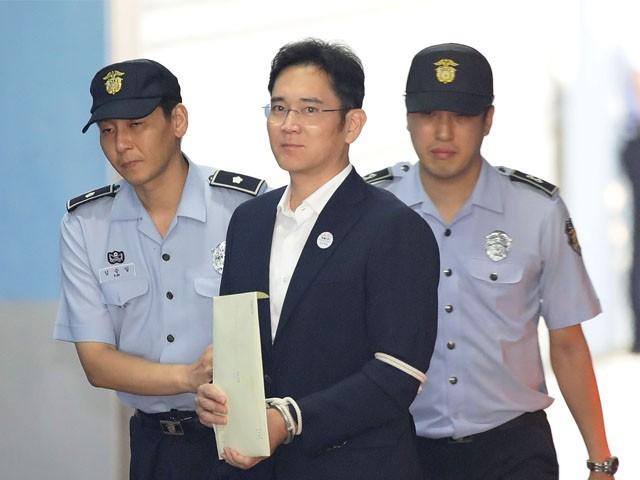 لی جائی یانگ پر کاروباری مفاد میں ملک کے صدر کو رشوت دینا کا الزام تھا، فوٹو : اے ایف پی