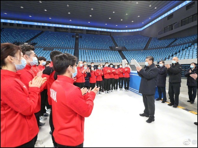 چینی صدر شی جنگ پھنگ نے سرمائی اولمپکس 2022 کے منتظمین کی حوصلہ افزائی بھی کی۔ (فوٹو: چائنا میڈیا)