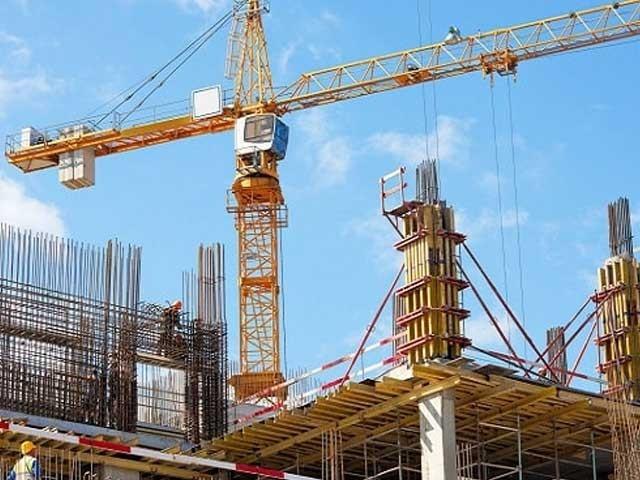 تعمیراتی شعبے میں سرمایہ کاری اور خریداری کے لیے  ذرائع بتانے کے حوالے سے استثنیٰ کی مدت میں بھی 30جون 2021 تک توسیع کردی گئی (فوٹو، انٹرنیٹ)