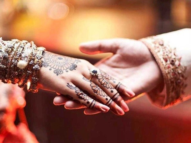 نمود و نمائش سے بھرپور شادی کی تقاریب اسلامی تعلیمات کے بالکل منافی ہیں۔ فوٹو: فائل