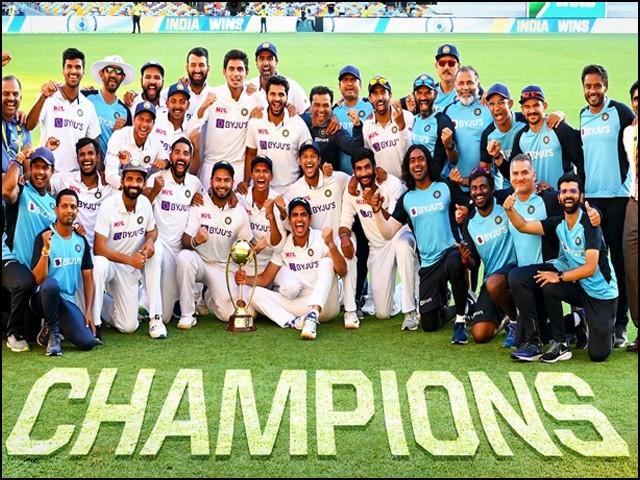 بھارتی ٹیم نے 33 سال تک ناقابل شکست رہنے والی آسٹریلوی ٹیم کو شکست سے دوچار کردیا۔ (فوٹو: انٹرنیٹ)