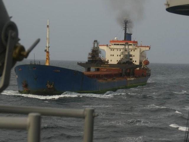 2019 میں بھی ترکی کے ایک بحری جہاز کو اغوا کرکے 10 ارکان کو یرغمال بنالیا گیا تھا، فوتو : فائل