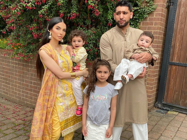 عامر خان نے 2013 میں فریال مخدوم سے شادی کی تھی جن سے ان کے 3 بچے ہیں