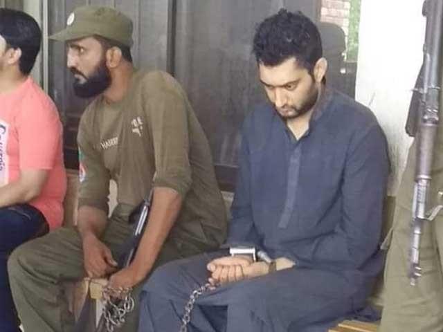 قاسم جہانگیر سزا کے بعد پولیس کی حراست میں