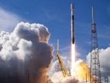 اسپیس ایکس کمپنی نے ایک ہی راکٹ کے ذریعے 143 سیٹلائٹ مدار میں بھیجنے کا کامیاب مظاہرہ کیا ہے۔ فوٹو: فائل