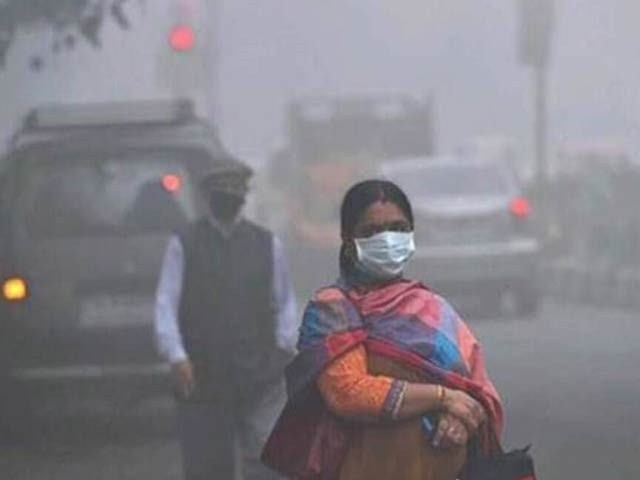 پاکستان سمیت بھارت اور بنگلہ دیش میں فضائی آلودگی اسقاطِ حمل کی وجہ بن رہی ہے۔ فوٹو: فائل