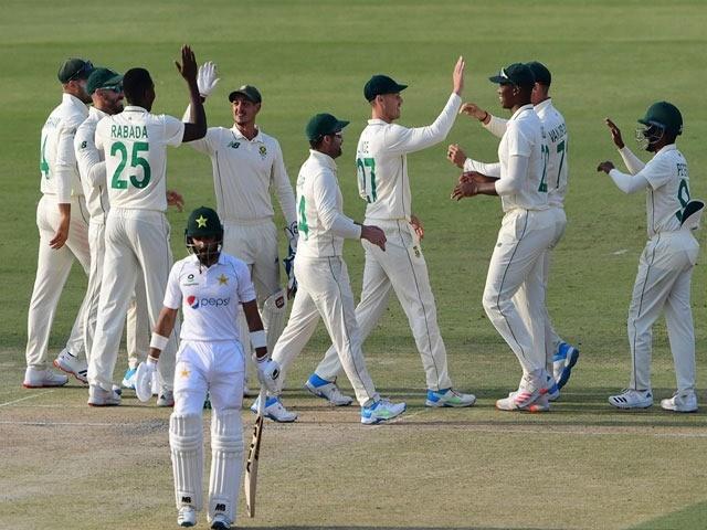 لیگ اسپنر یاسر شاہ نے 3 اور نعمان علی نے 2 وکٹیں حاصل کیں - فوٹو: اے ایف پی