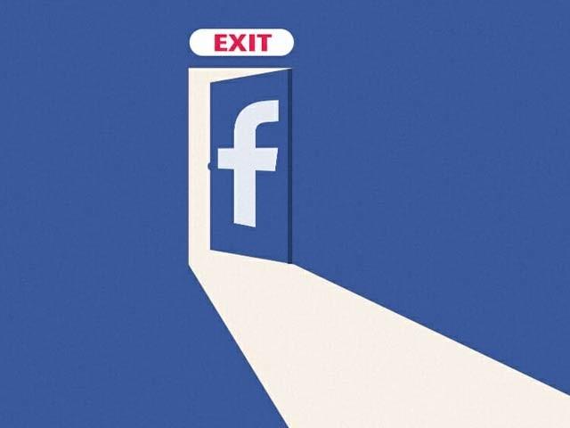 امریکہ میں فیس بک استعمال کرنے والوں کی تعداد میں کمی واقع ہوئی ہے۔ فوٹو: فائل