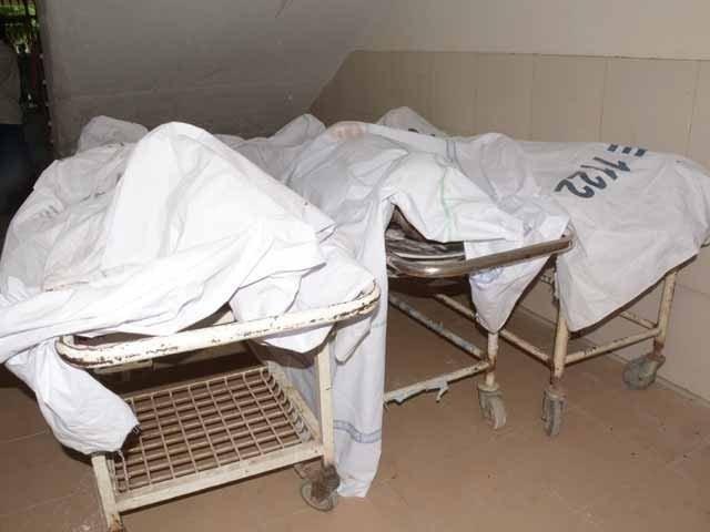 جاں بحق ہونے والوں میں 30 سالہ کاظم، 20 سالہ فیاض جب کہ تیسرے شخص کی شناخت علی شیر کے نام سے کرلی گئی۔ فوٹو : فائل