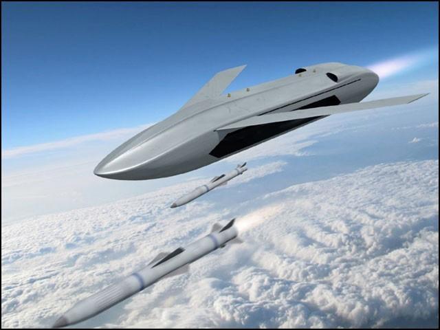 اس منصوبے کے تحت فضا سے فضا میں مار کرنے والے میزائلوں سے لیس ڈرونز تیار کیے جائیں گے۔ (فوٹو: ڈارپا)
