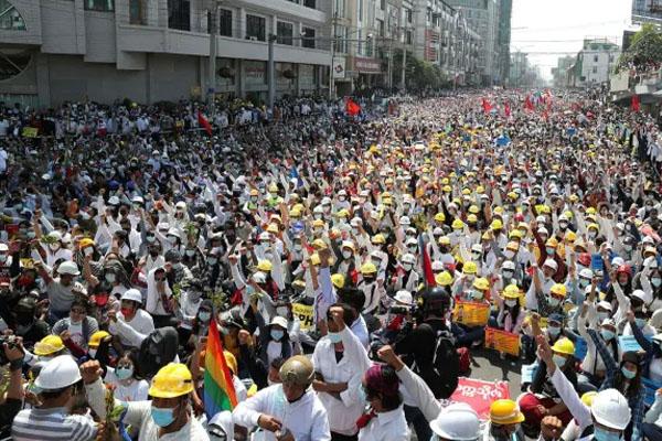Mayanmar Protes 5  killed